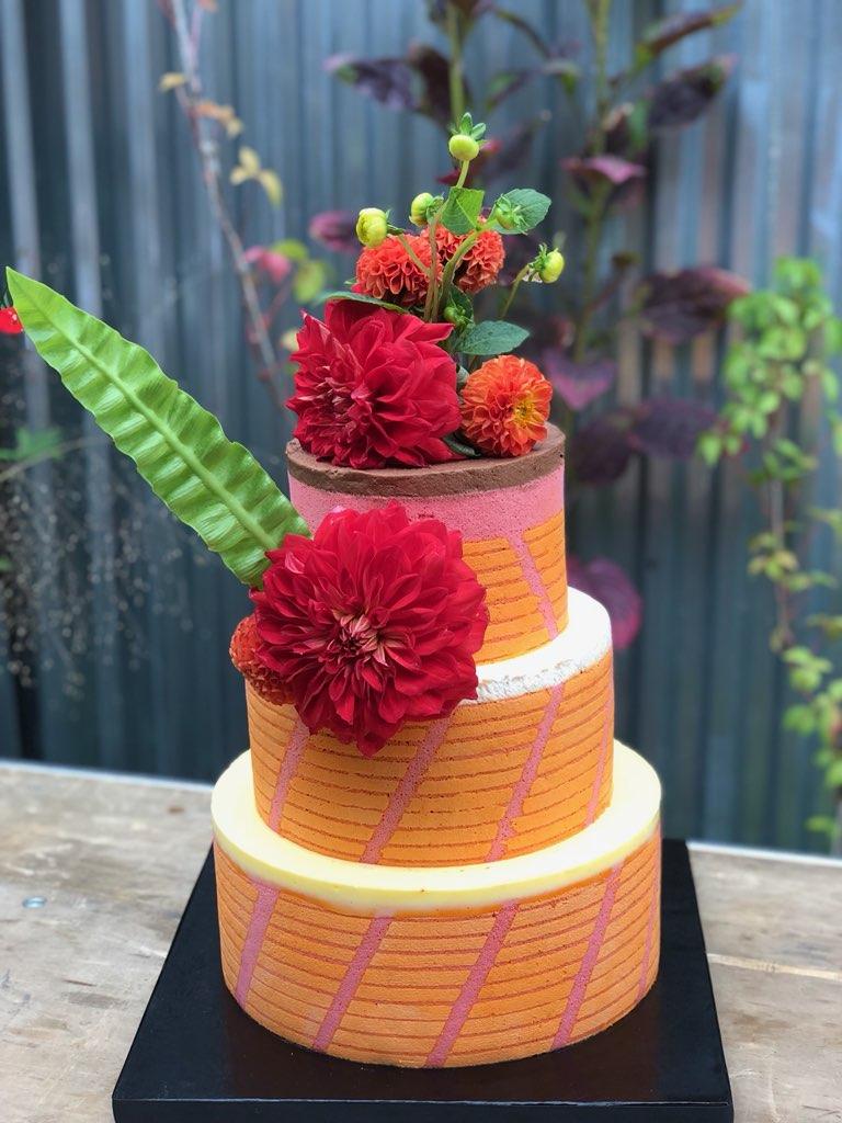 Monica_Burton_Wedding_Cake_Oct_6_2018.JPG