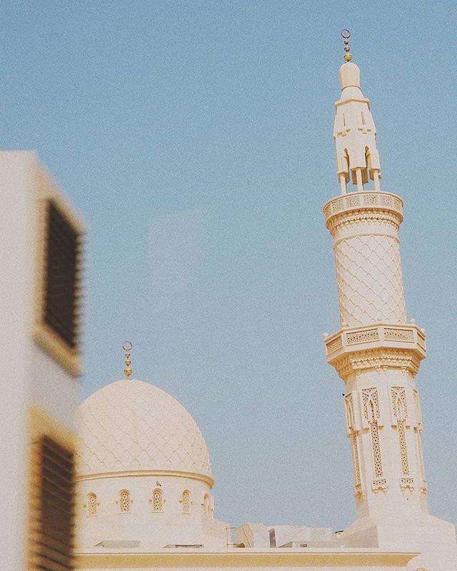 Arabian geometries in motion