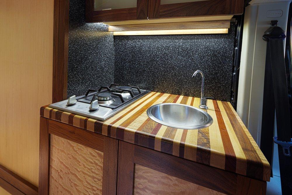 kitchenetteAngle.jpg