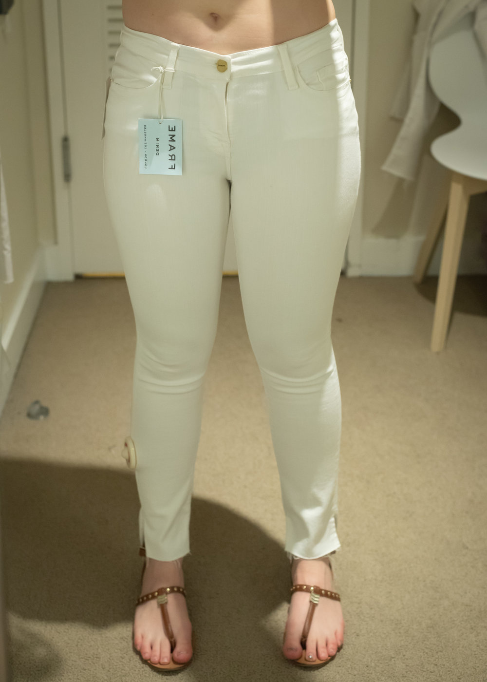 Frame Le Skinny Jeans - Size 28 - Front View