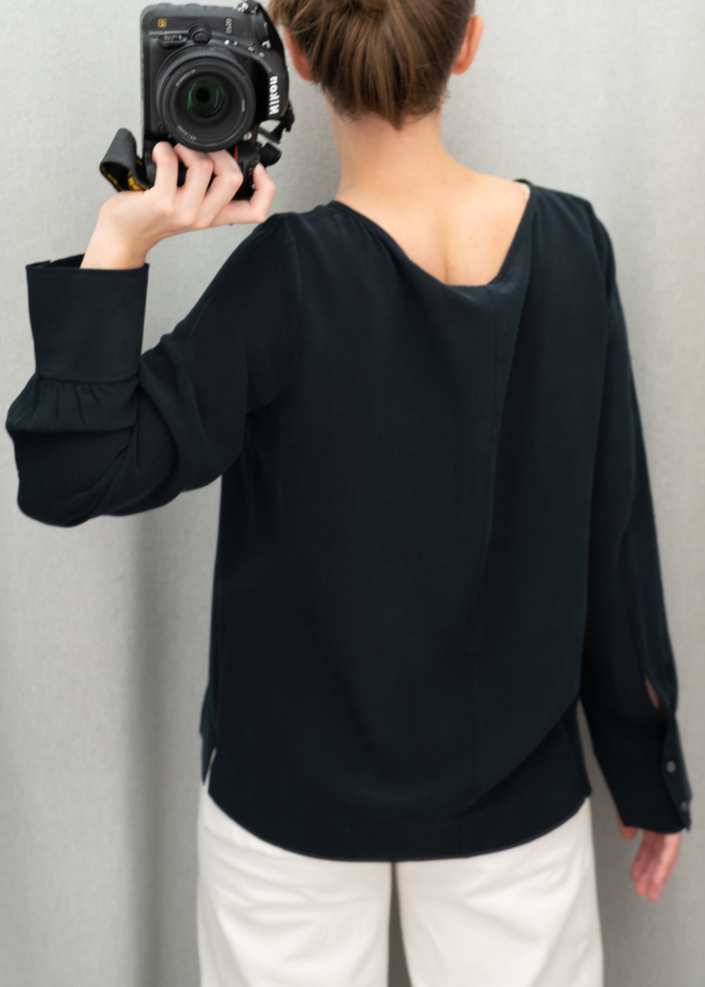 Everlane The Clean Silk Boatneck Blouse - Size 6 - Back View