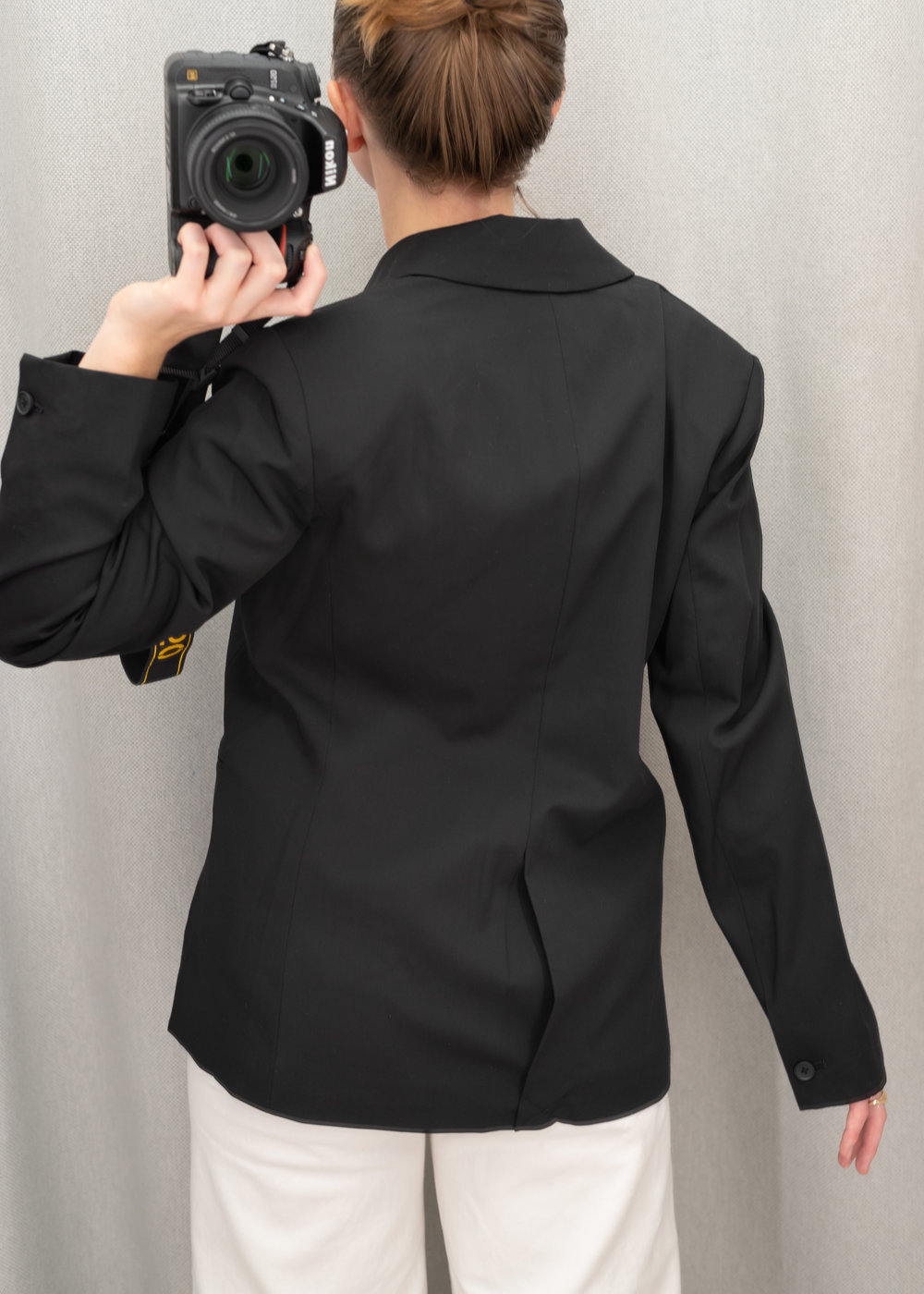 8bdf2794b50e Everlane Italian GoWeave Classic Blazer - Size 6 - Back View