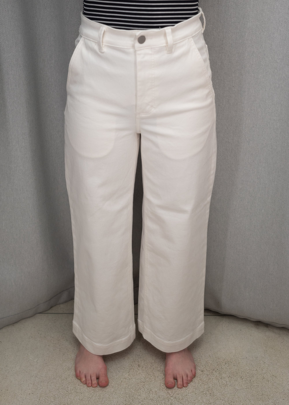 Everlane The Wide Leg Crop Pant - Size 4 - Front View