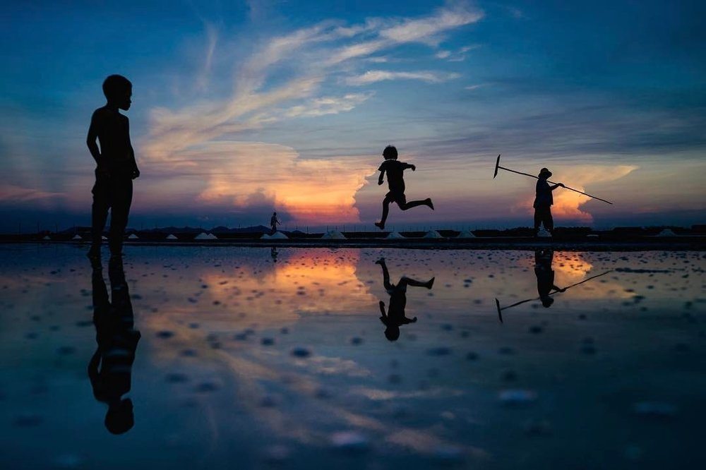 Image taken by Gary Tyson during a workshop on the salt fields of Southern Cambodia.