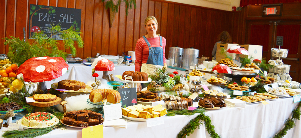 First grade parents rocked the bake sale table, decorating it with a cornucopia of woodland arrangements, colorful toadstools, and moss characters. Thank you to the whole community for loading it with delicious treats and savory dishes!