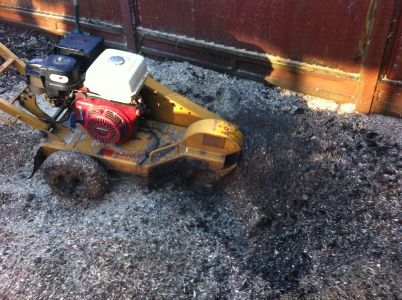 Small stump grinding machine