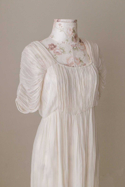 Studio Gown 20 (Details)