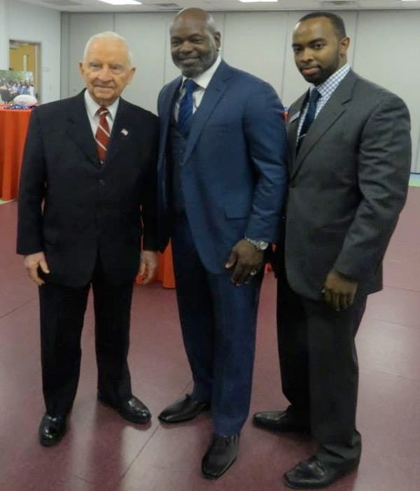 Former Dallas Cowboys running back Emmitt Smith wearing our Marion model loafers in black