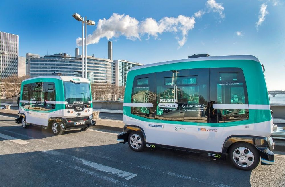 Driverless electric shuttles on the charles de gaulle bridge in paris (image credit: Groupe RATP)