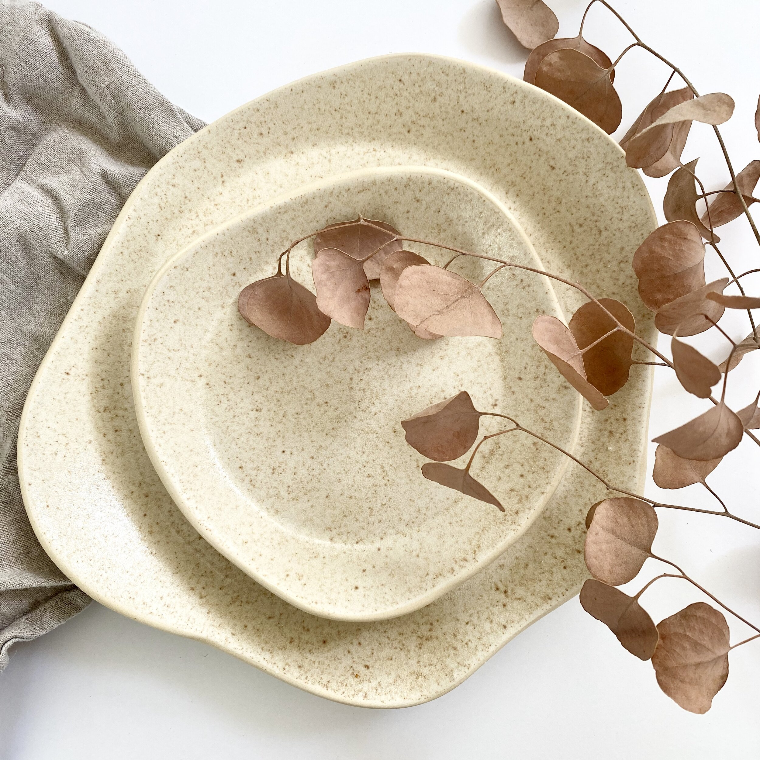 Minimalist Plateware & Shop Pottery - Plateware Dinnerware Drinkware + Home Goods ...