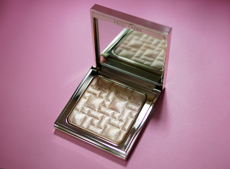 Bobbi_Brown_Highlighting_Powder_Limited_Edition.jpg