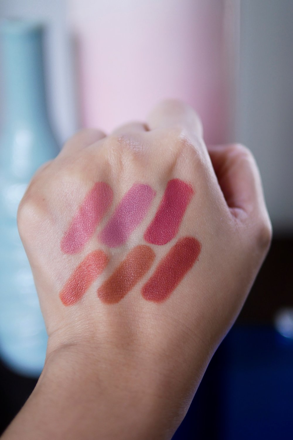 Trope Velvet Matte Lipstick  baris atas dari kiri ke kanan:  No.01 Innate, No.02 Duality, No.03 Peony , dan baris bawah dari kiri ke kanan:  No.04 Flamingo, No.05 Verse 93, No.06 Rosewood .