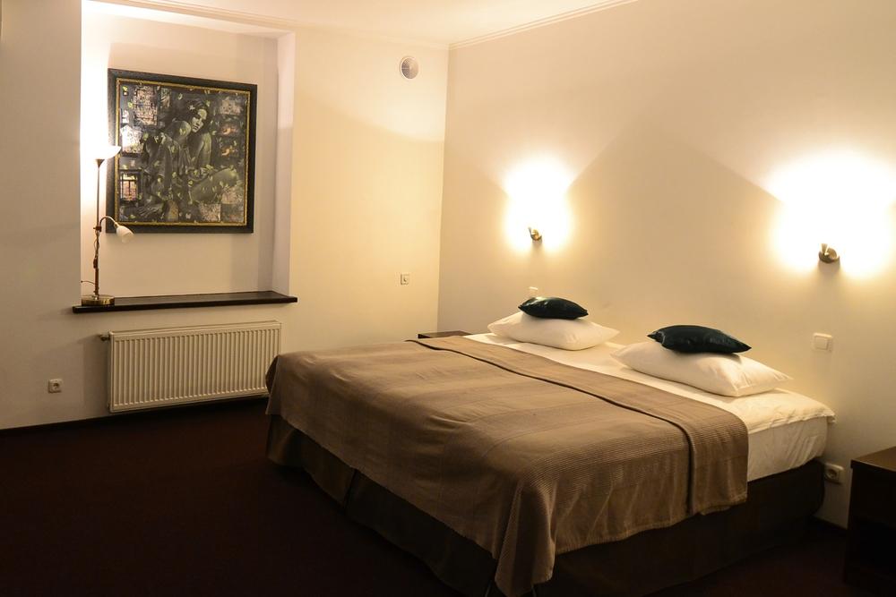 room_102.jpg