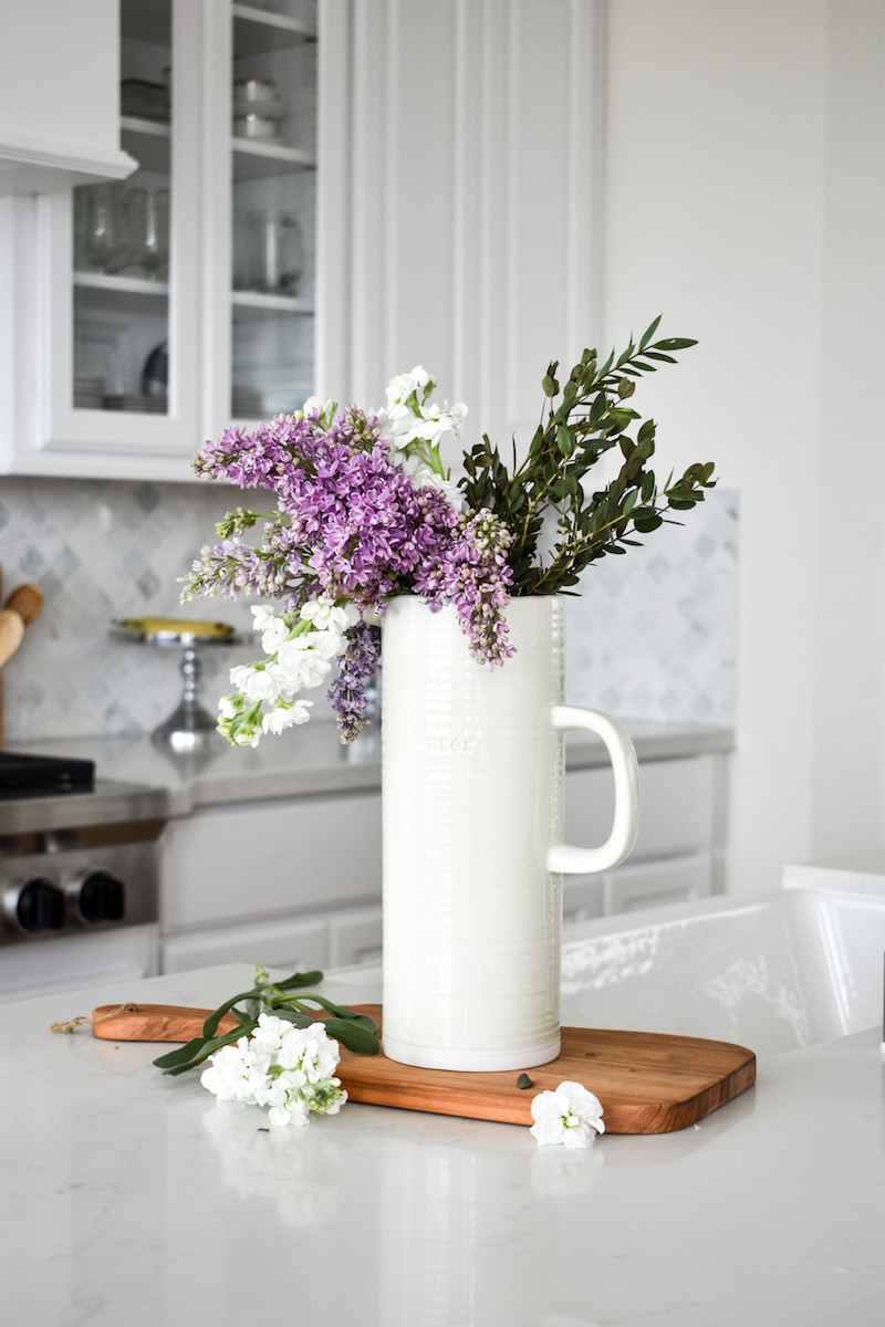 How To Create A Fresh Flower Arrangement In A Few Simple Steps Mostess
