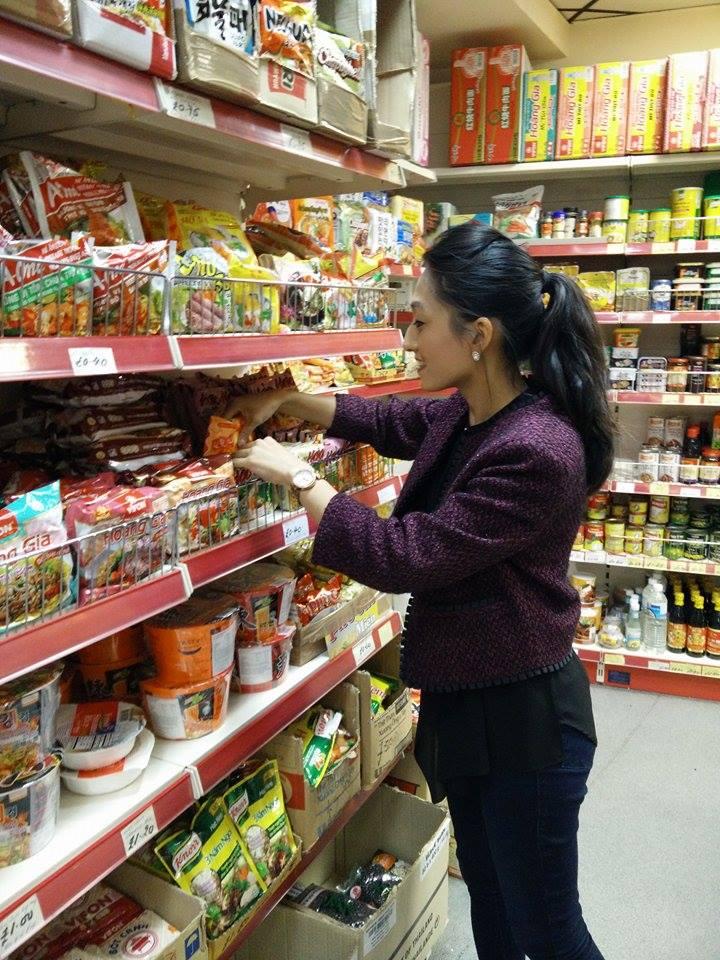 Superpeach Kim Lien Mini Market blog stocking noodles