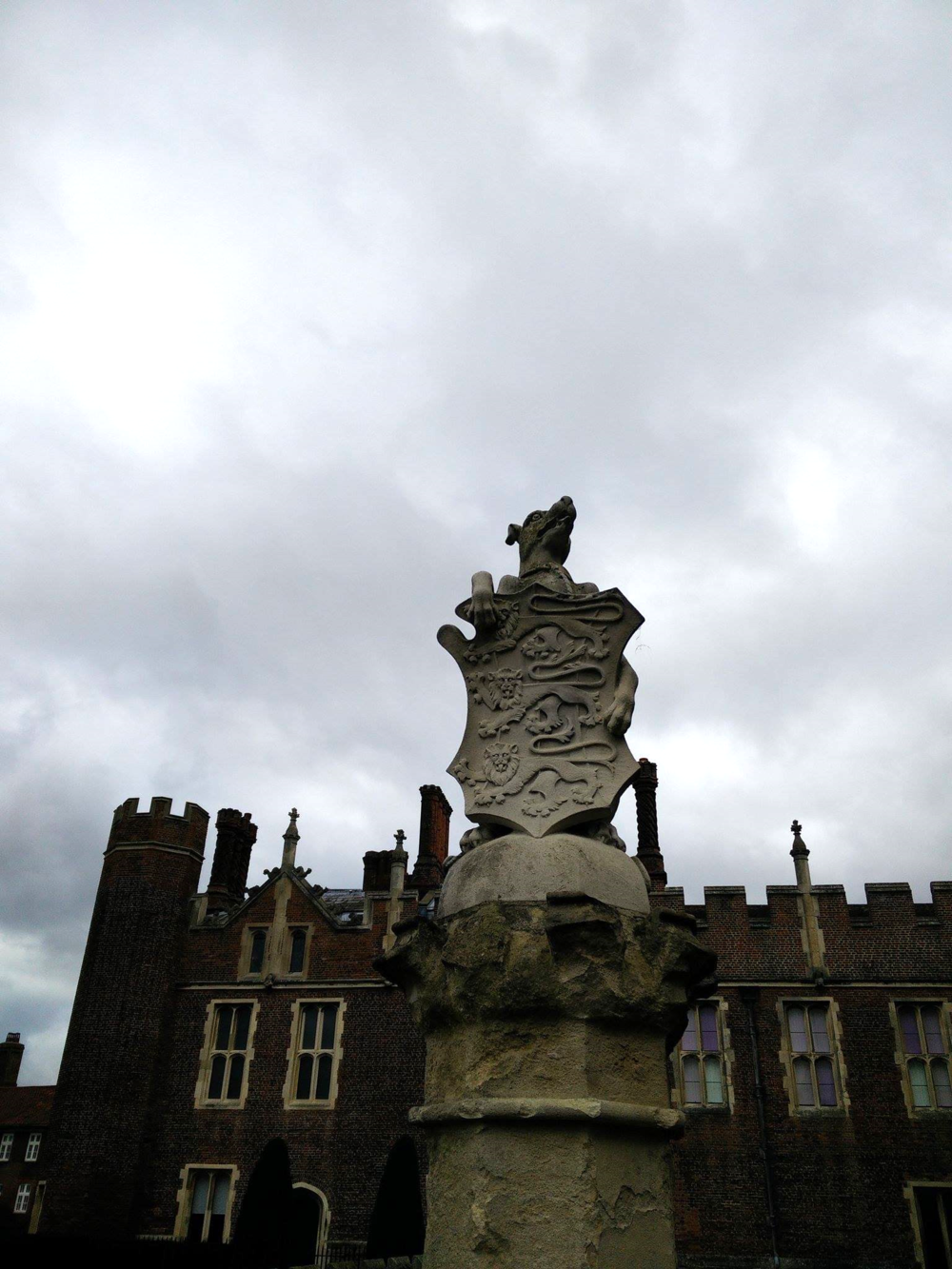 Superpeach blog Hampton Court King's Beasts statues