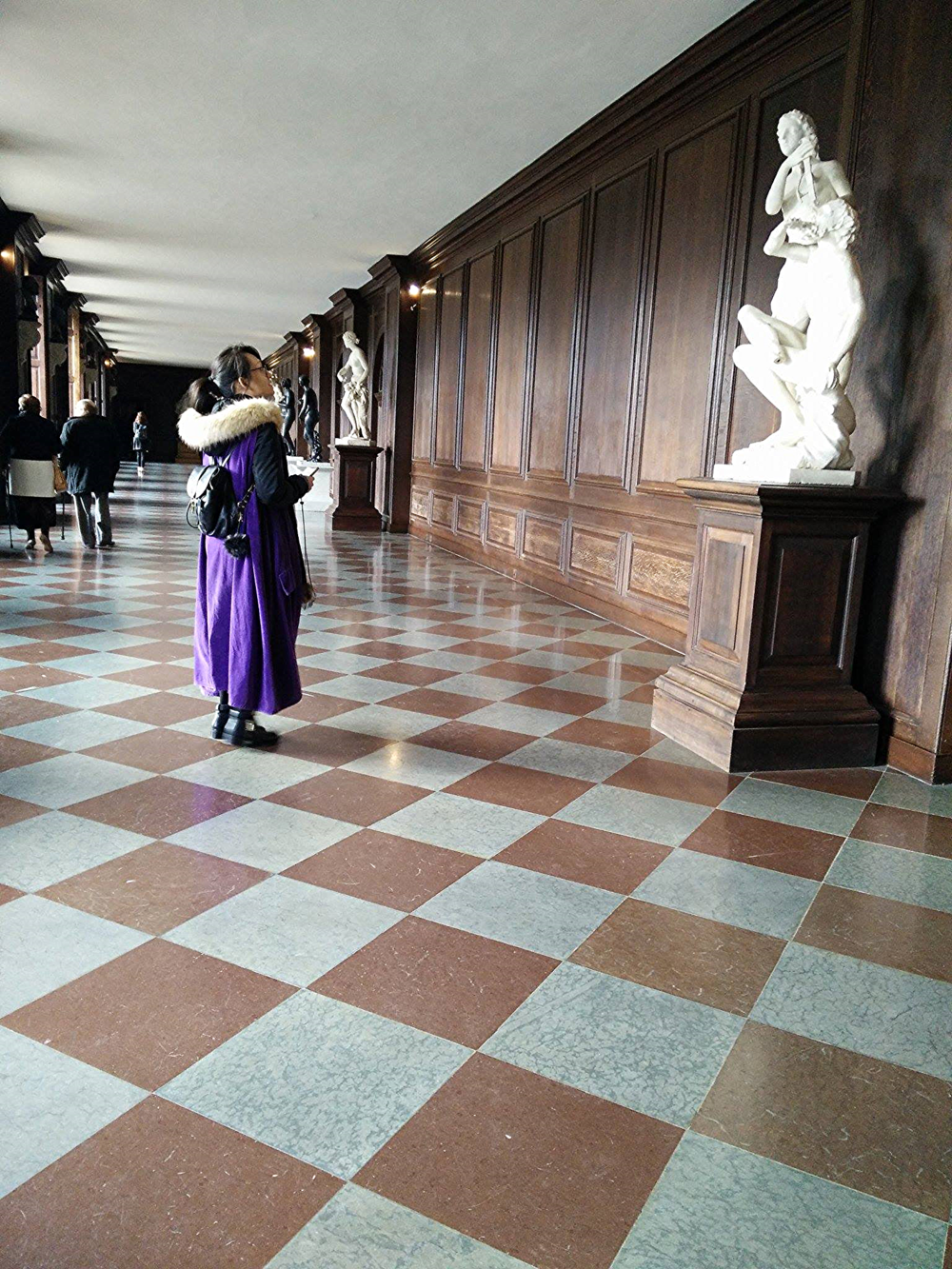 Superpeach blog Hampton Court corridor