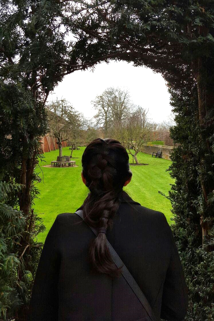 Superpeach blog Hampton Court peek