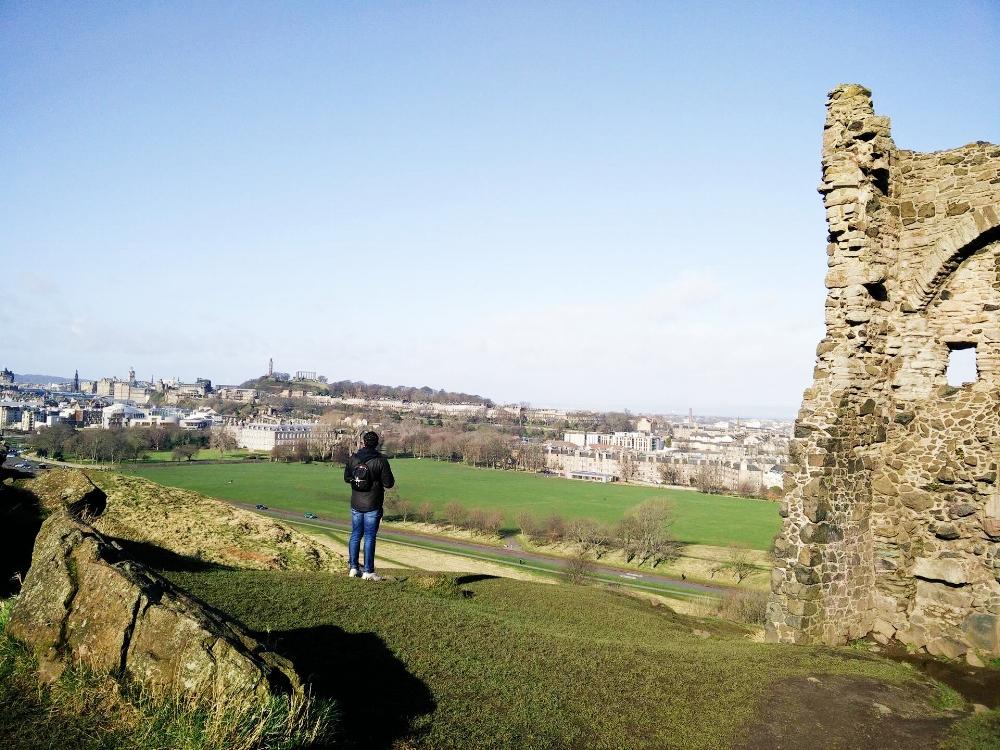 Edinburgh Charm 20