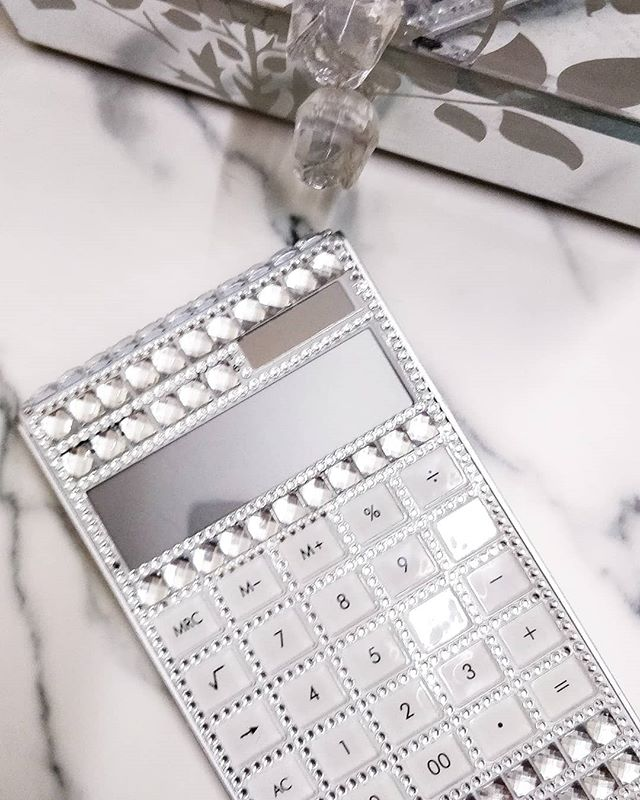 She's back ✨! Our Diana jewel calculators are back in stock 💎💎💎! You told us, we listened. Brains definitely = beauty 👸💖.