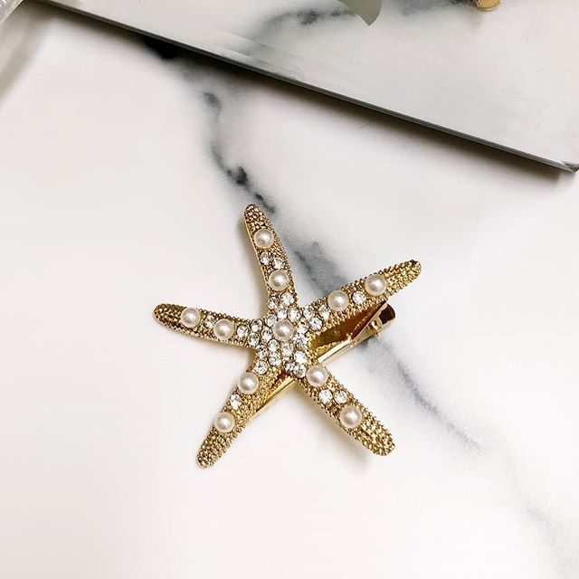 Always will have the cutest hair clips for you ⭐! Shop this cutie for only a fiver 🙂✨!