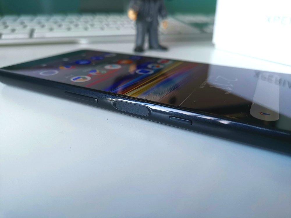 sony xperia 2019 fingerprint reader