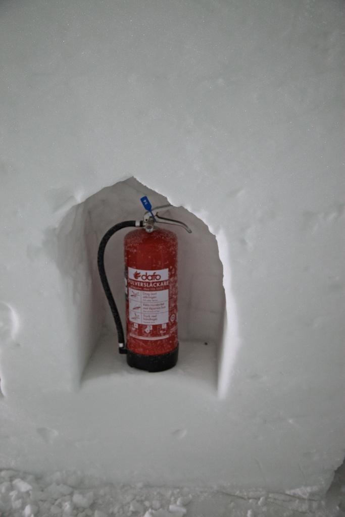 In case of fire: security measure at the Jukkasjärvi Ice Hotel