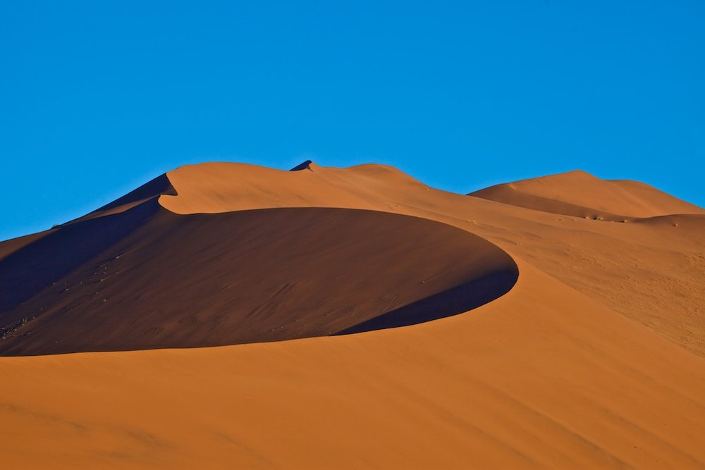 """The peak of """"Big Daddy"""": at some 325 meters the highest sand dune in the world, Sossusvlei, Namibia"""