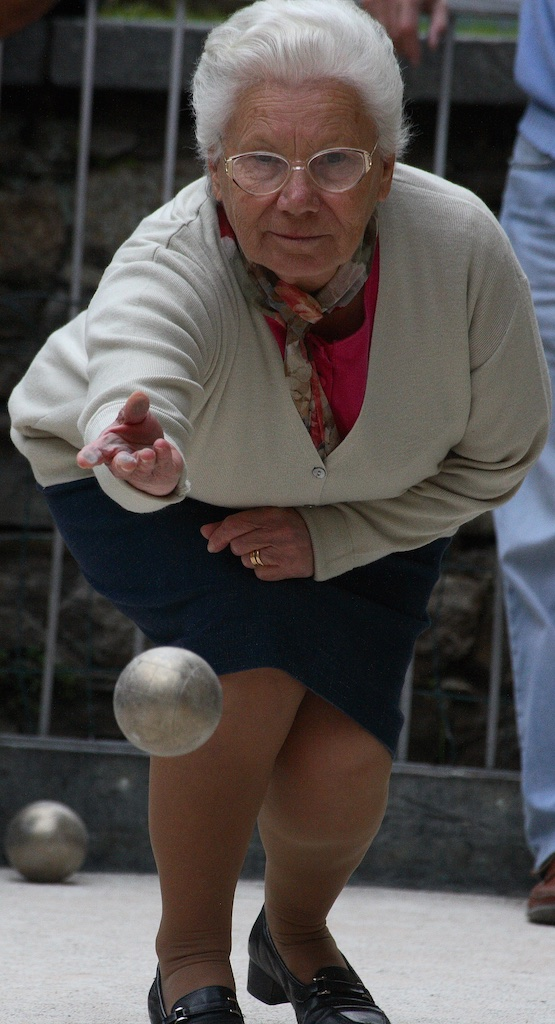 Precision boule. Stresa, Italy.