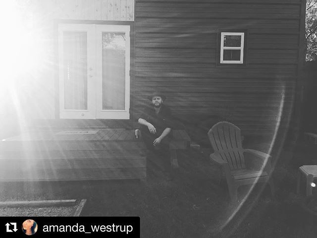 M A G I C A L ✨ - 📷: @amanda_westrup - #NashvilleTinyHouse