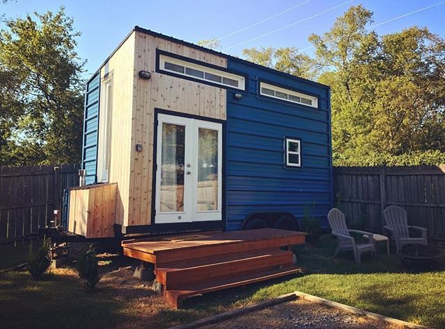Happy Satur-YAY! - #NashvilleTinyHouse • 📷: @zieziedesign