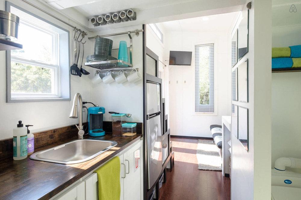 07 sunny kitchen.jpg