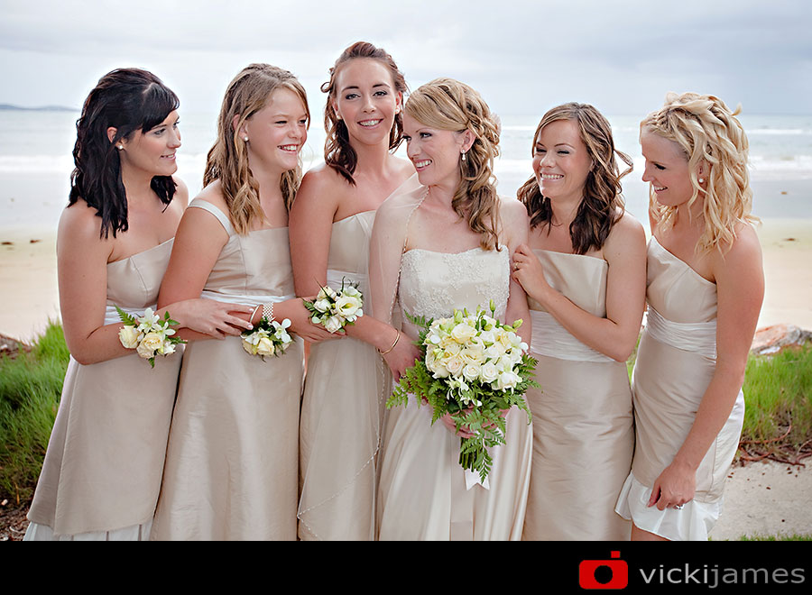Yamba Wedding Photographer, Vicki James, Bride and Bridesmaids