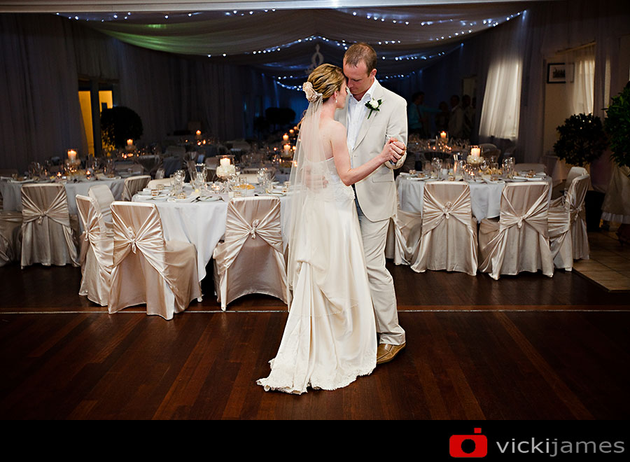 Yamba Wedding Photographer, Yamba Surf Club, Vicki James