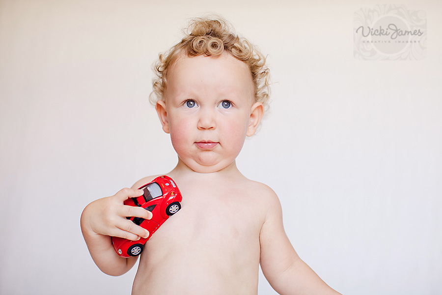 Vicki James is a Yamba Childrens Photographer. In Studio or on Location photos available.