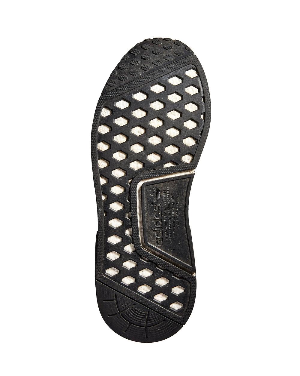 SOLES_ADDIDAS_NMD_R1_BLACK_18561.jpg