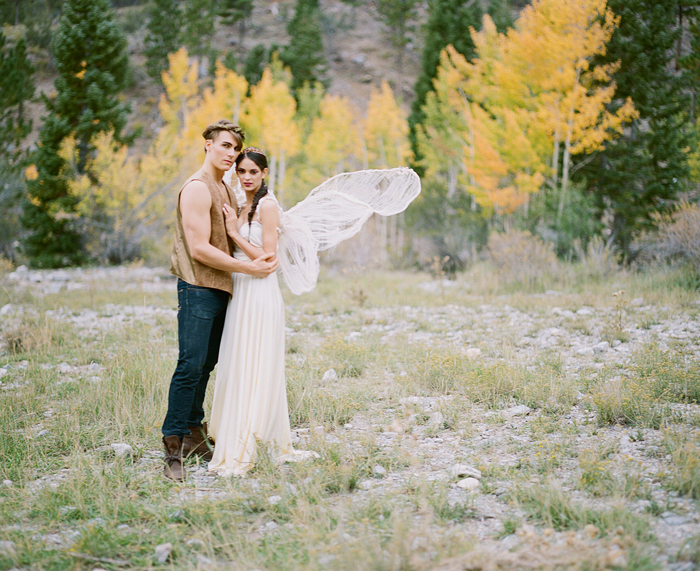 gaby j photography woodland couples session 13