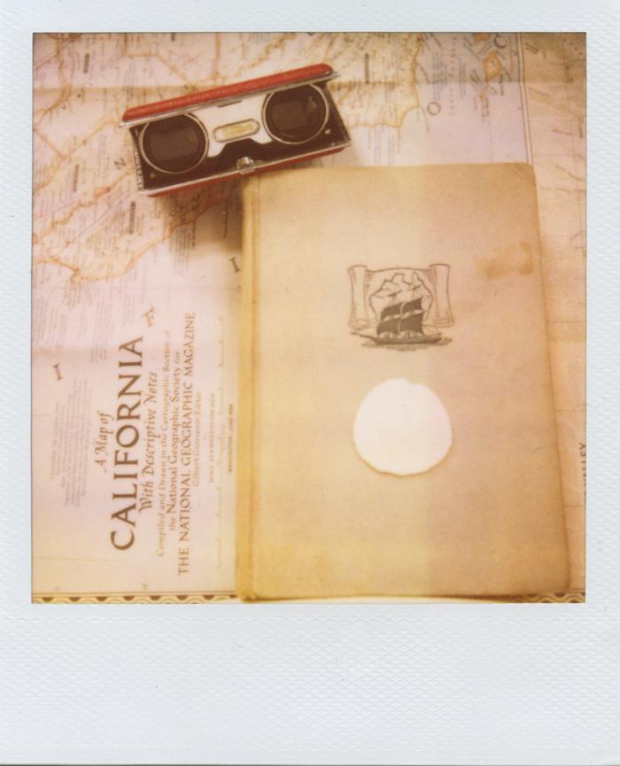 gaby j photography vintage books polaroid 01