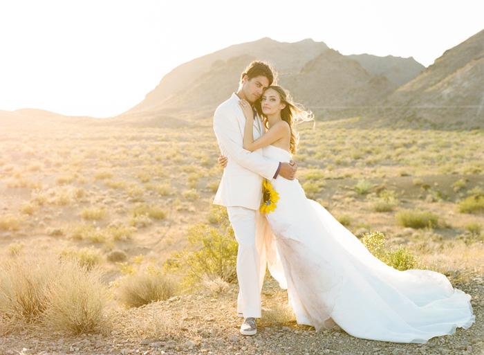Gregg lisa las vegas desert wedding photography gaby for Wedding photography las vegas
