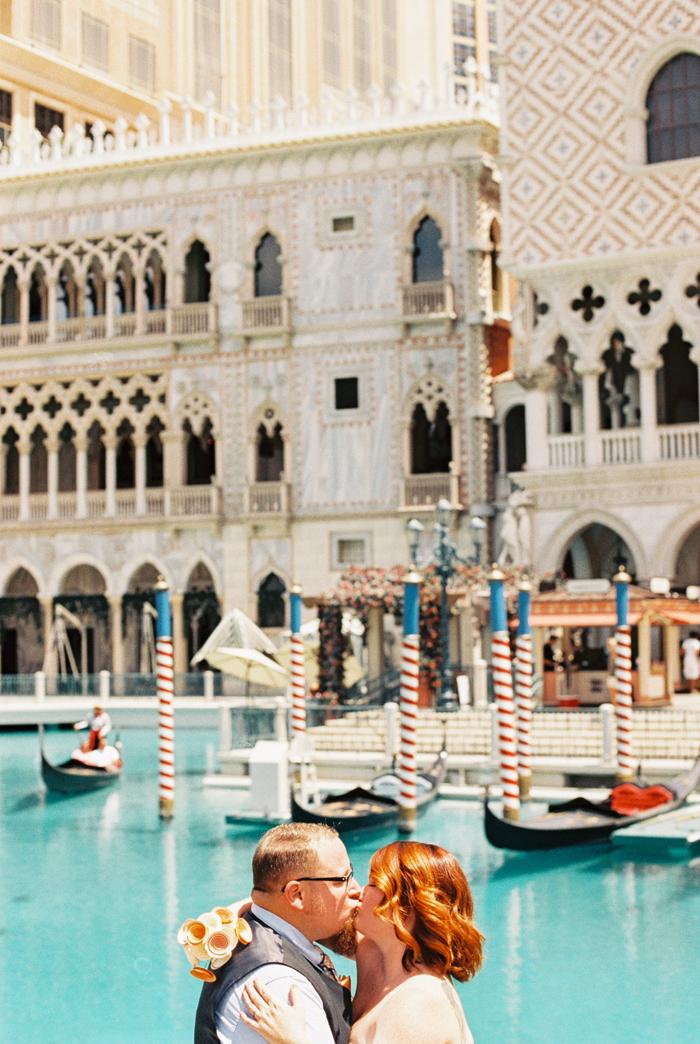 las vegas elopement photographer venetian gaby j photography 20