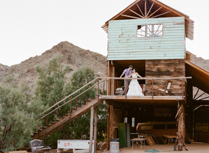 unique rustic outdoors las vegas wedding