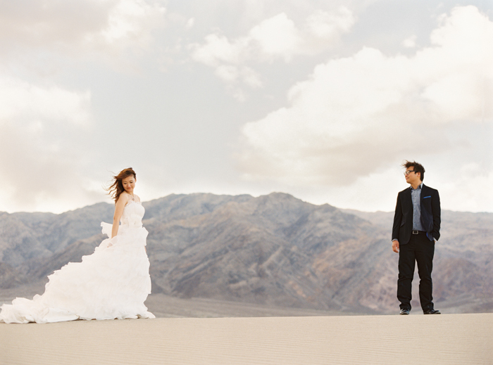 death valley sand dunes wedding photo 3