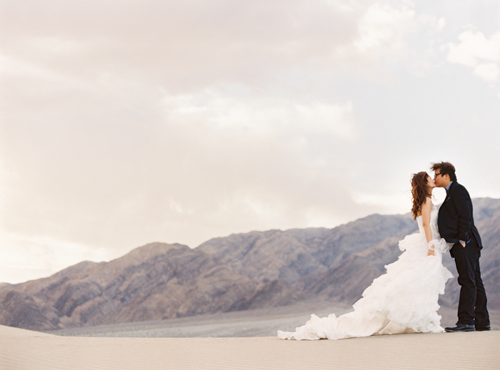 death valley sand dunes wedding photo 7