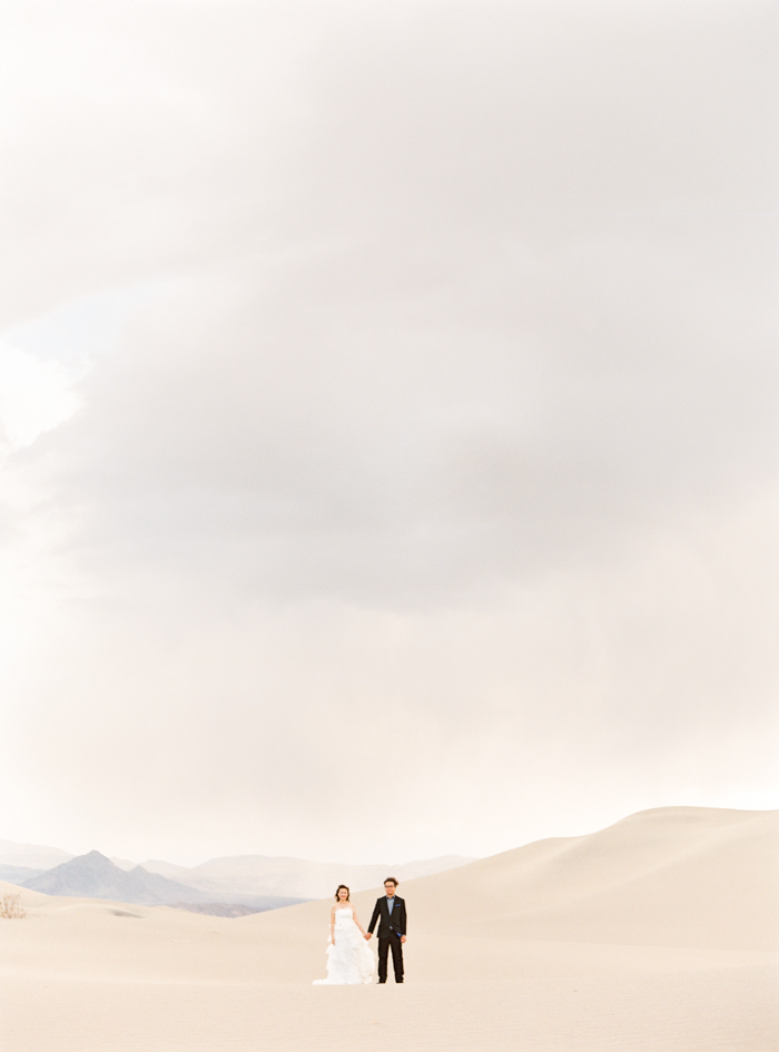 death valley sand dunes wedding photo 8