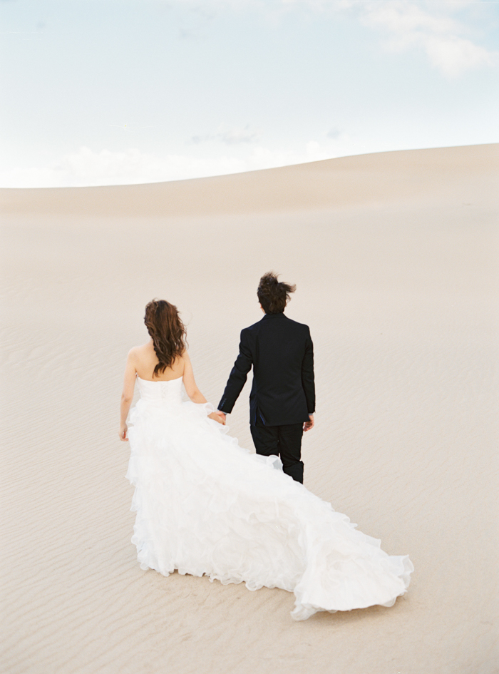 death valley sand dunes wedding photo 12