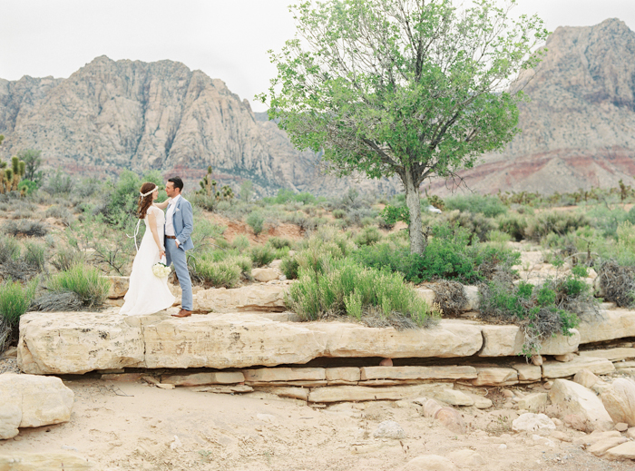 las vegas desert elopement wedding photo