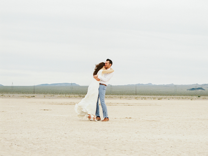 las vegas dry lake beds wedding photo