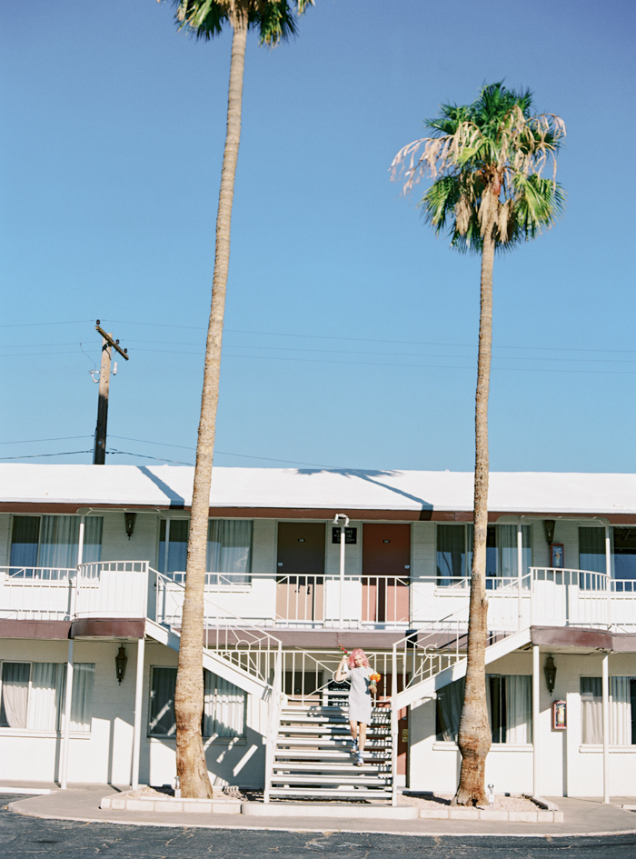 vintage motel las vegas wedding photo