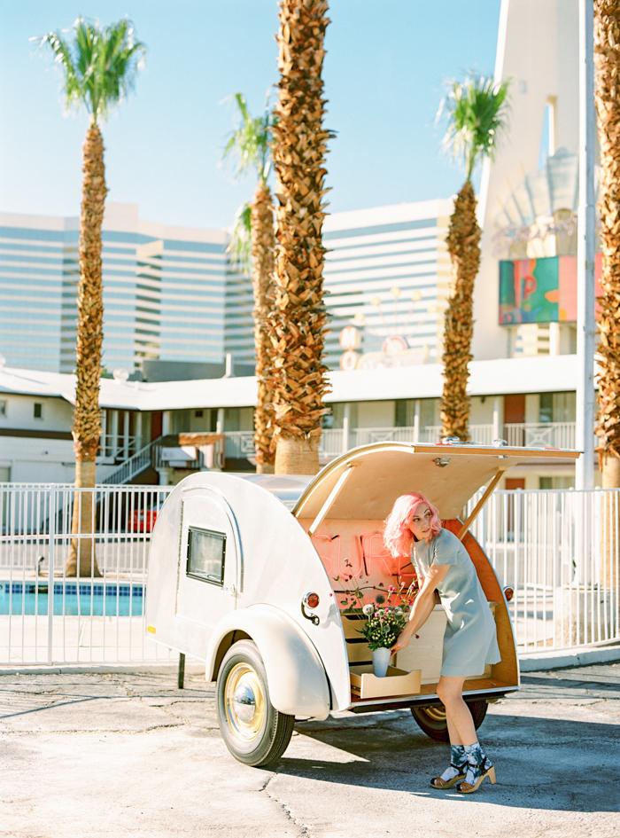 vintage las vegas pop up wedding chapel 9