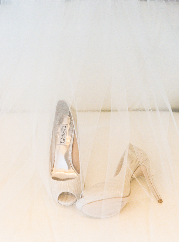 classic bridal badgley mischka wedding shoes